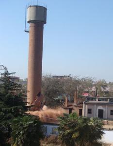 自贡市砖烟囱专业人工拆除,专业人工拆除砖烟囱示例图2