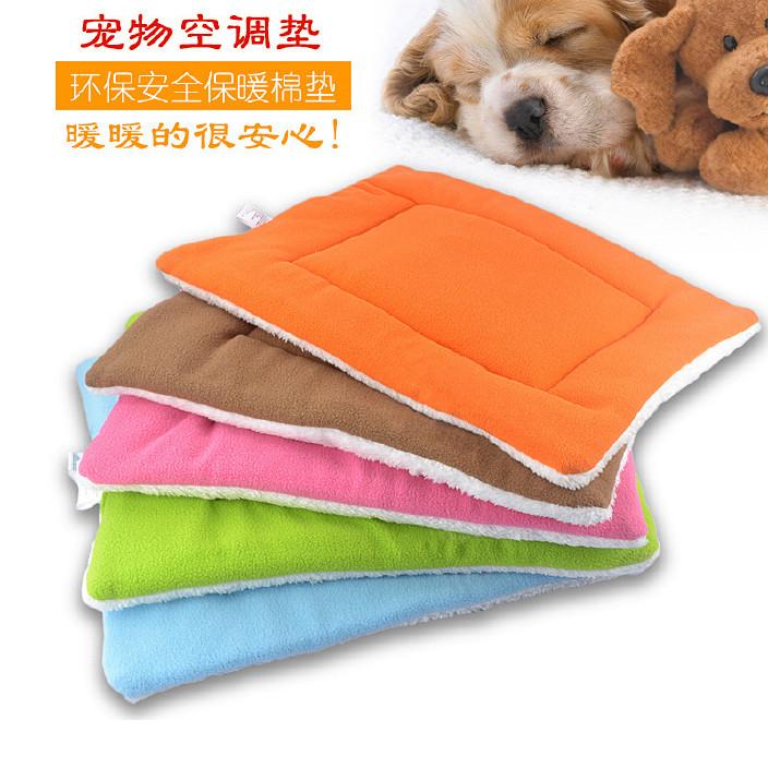 热销宠物垫子四季毛毯宠物室内坐垫宠物狗狗空调垫狗垫子四码外贸图片