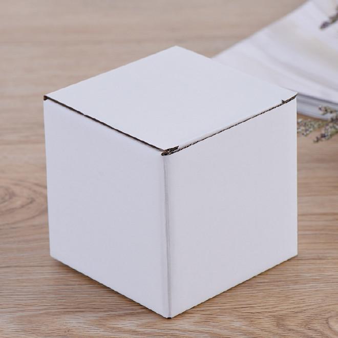 现货 白色瓦楞 包装纸盒  彩色印刷空白牛皮纸盒包装盒图片