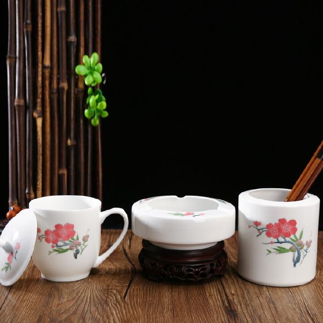 手绘毛瓷办公套具 毛瓷商务礼品 毛瓷茶杯烟灰缸瓷笔筒