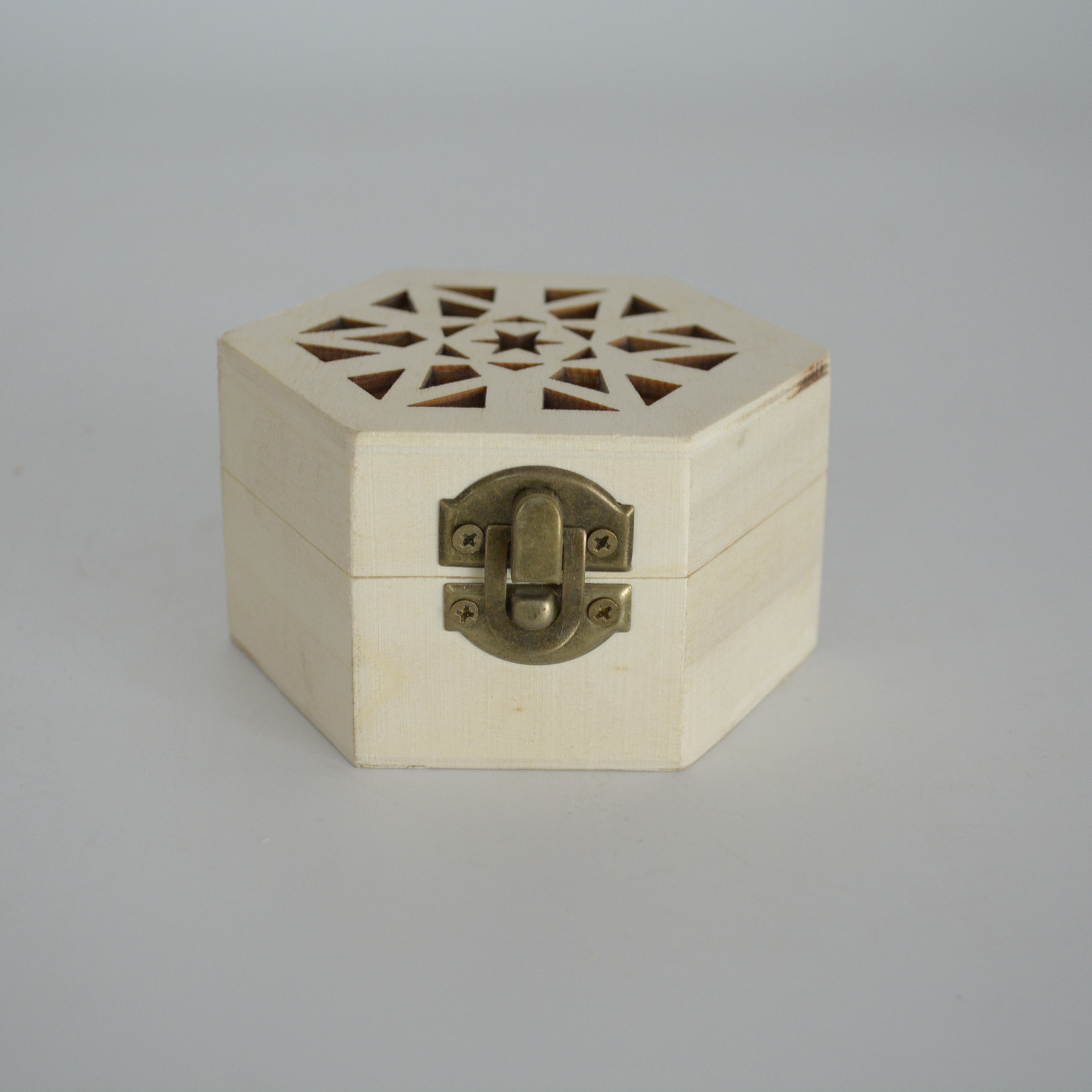 木质六角镂空刻花收纳盒香炉香盒精美茶叶包装盒家居收纳用品木盒