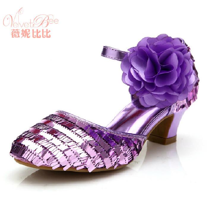 薇妮比比是在高跟鞋夏季凉鞋高跟鞋儿童图片公女孩的女童床上女生图片
