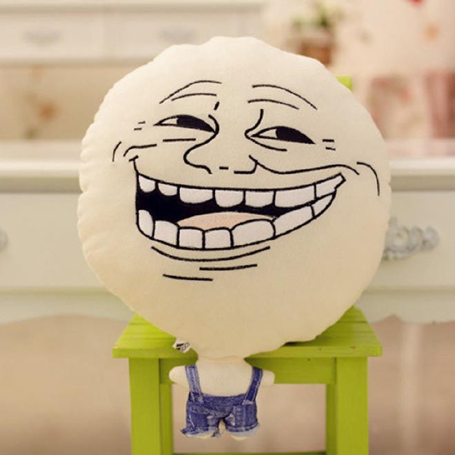 【暴走周边漫画王尼玛王尼美搞笑表情抱枕创意搞片图哈大笑哈笑图片