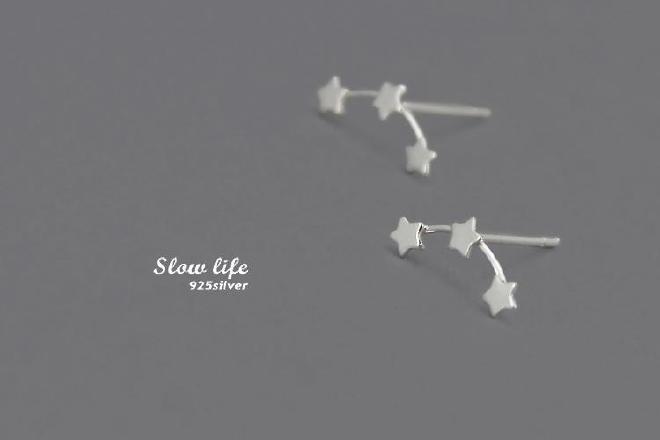 新耳钉连排五角星简约气质百搭防过敏女款银饰品
