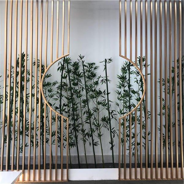北欧沉俭繁复古世金属玄闭屏风花格隔尽距离餐厅客堂粉饰出有锈钢新中式