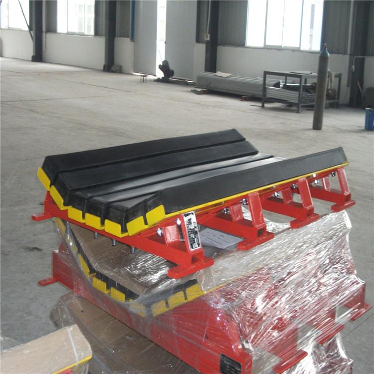 缓冲床在带式输送机上的应用 防物料洒落缓冲床示例图13