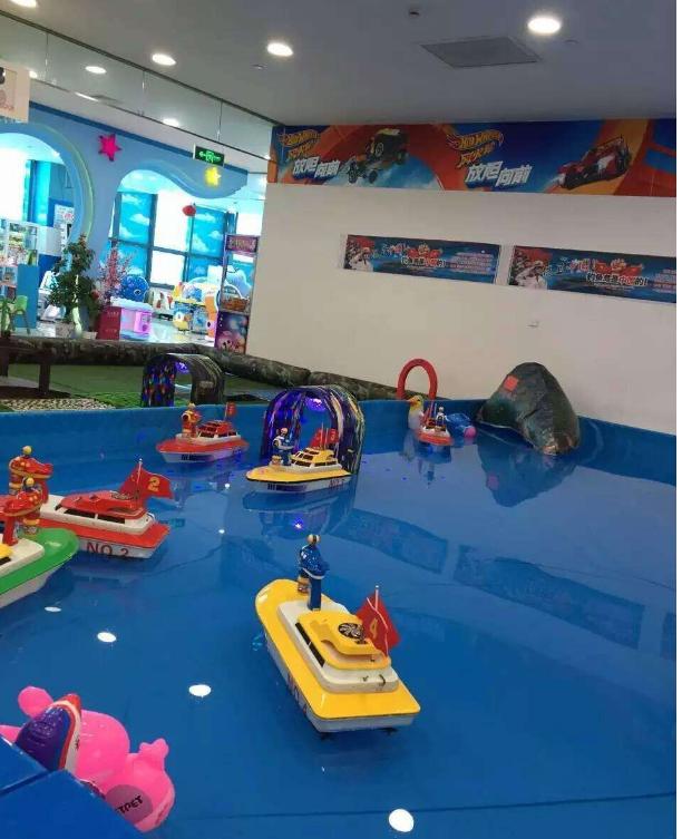 大洋游乐新品上市方向盘遥控船 儿童新造型方向盘遥控船游乐设备示例图8