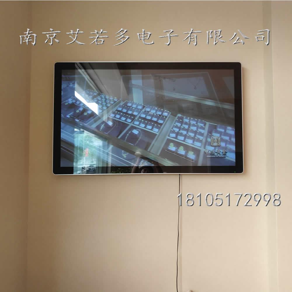 R H105503.jpg