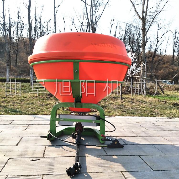 农用后置撒肥机 颗粒肥悬挂撒肥机 传动轴输出撒肥机山东直销示例图3