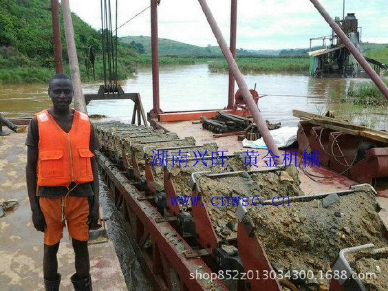 匯鑫淘金船 廠家定制淘金設備 淘金機械出口海外