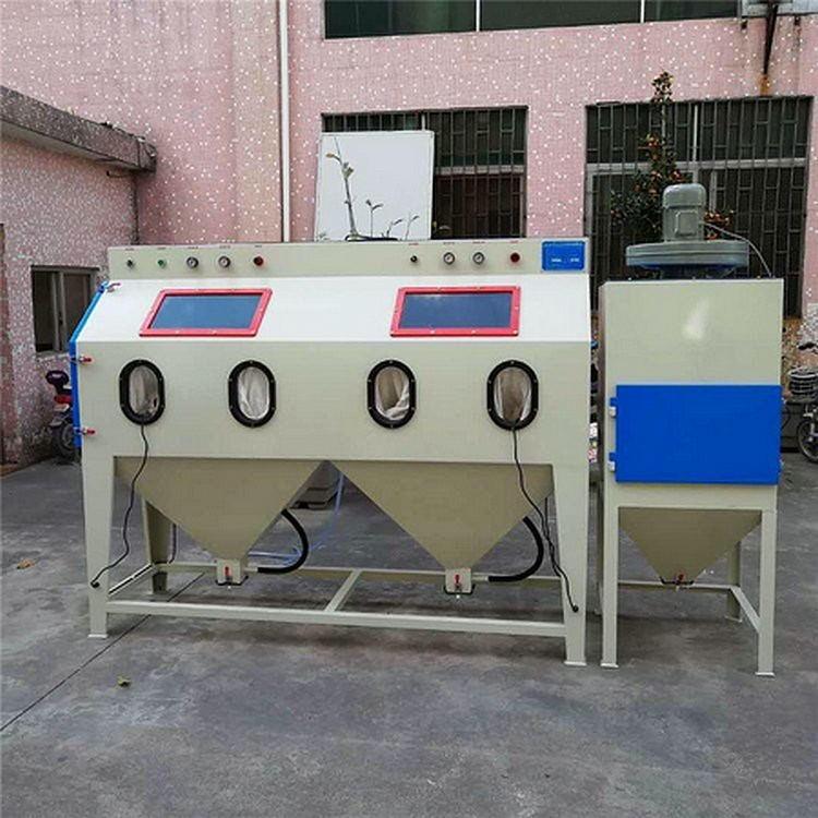 手動噴砂機  源頭廠家供應雙工位噴砂機  大型五金模具重件噴砂