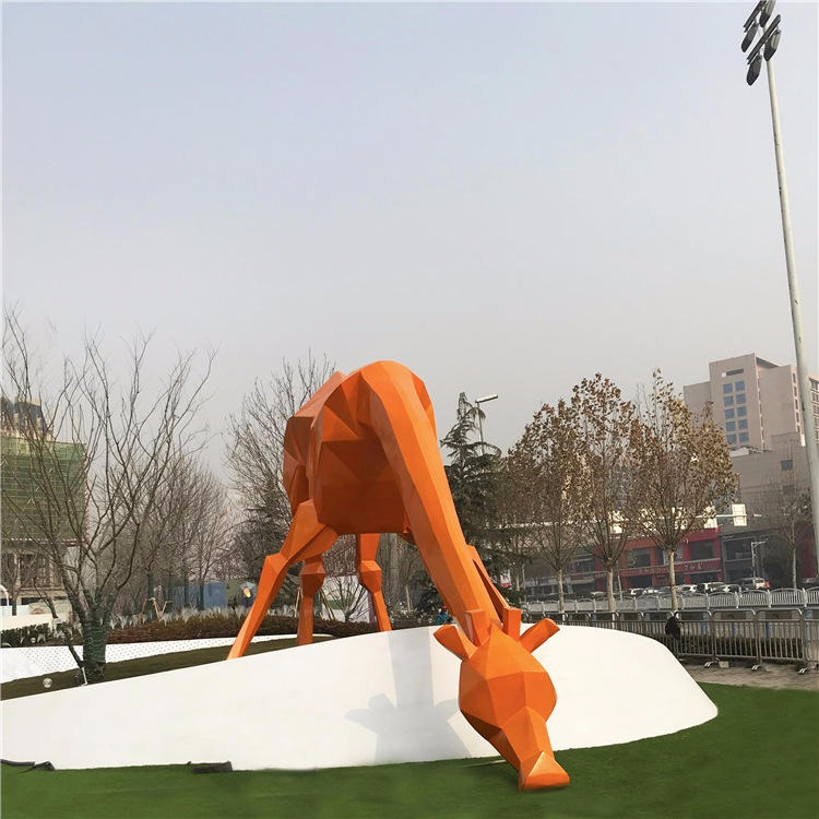 厂家定制不锈钢切面长颈鹿雕塑 园林景观几何长颈鹿不锈钢雕塑加工 唐韵园林
