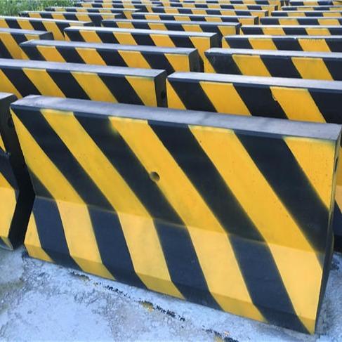 廣州天河水泥墩 水泥隔離墩價格 水泥防撞墩 混凝土石馬廠家直銷 優質 低價 好的服務 產量大 規格多樣 客戶放心