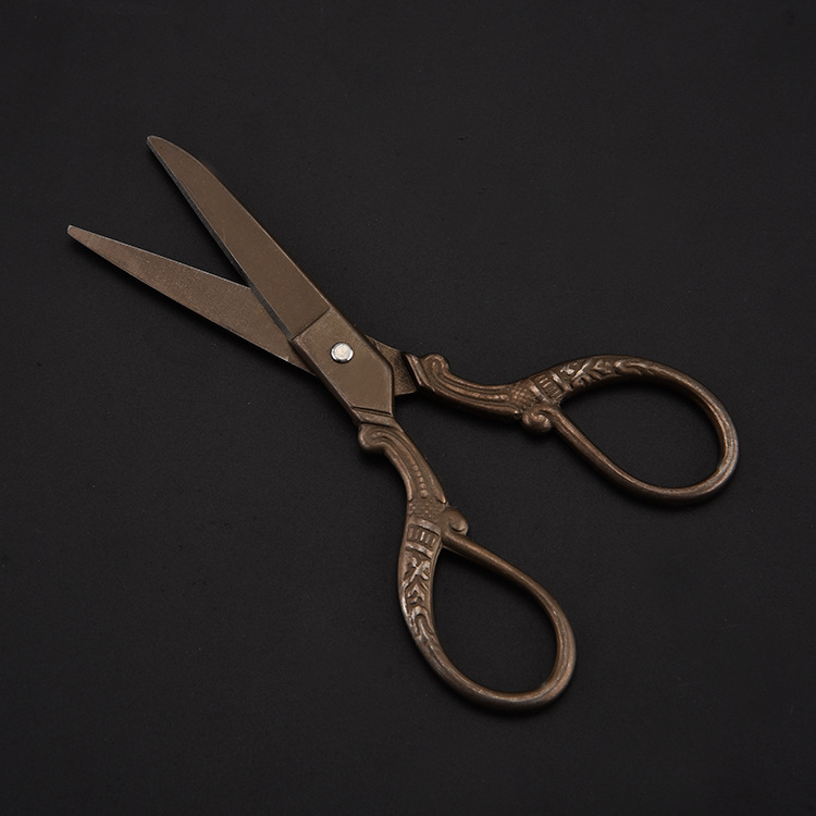 厂家直销家用铁塔剪 复古镀金铁塔布艺剪 复古剪刀美容剪示例图13