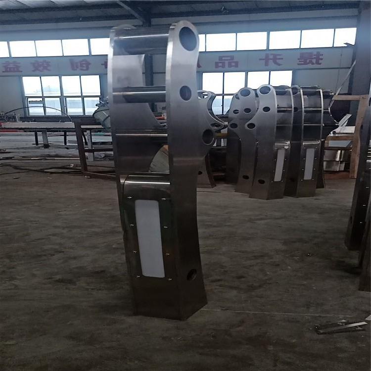 鋼板防撞立柱 防撞橋梁護欄立柱 q235碳素鋼噴塑防撞護欄大泰按圖生產