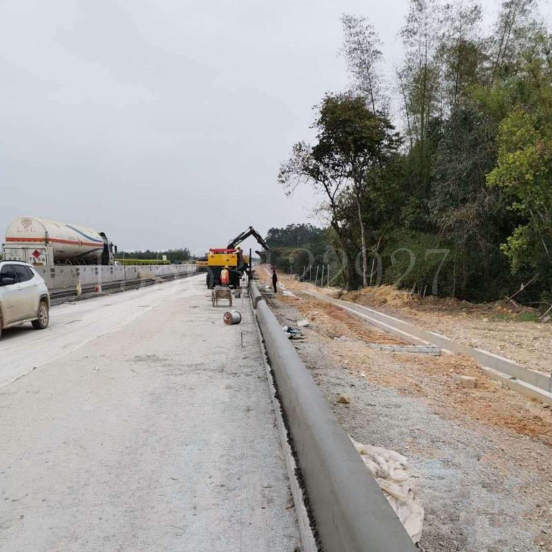 四川路緣石滑模機 路肩石成型機恒沃生產供應
