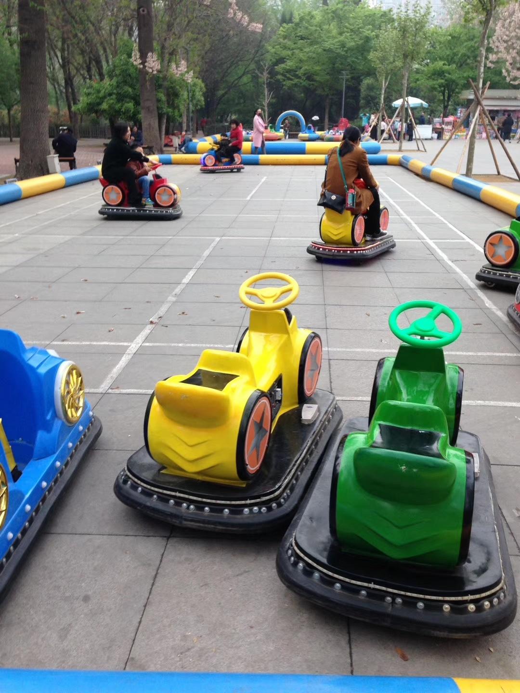 儿童游乐设备广场新款摩托碰碰车 厂家直销现货供应双人火星战车示例图4