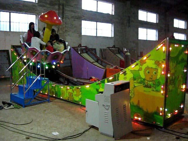 2020大洋厂家供应360度旋转欢乐飞车 8座迷你飞车广场儿童游乐设备示例图14